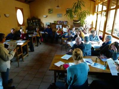 Sylvette Monier-Dilhan en pleine présentation au Café du futur